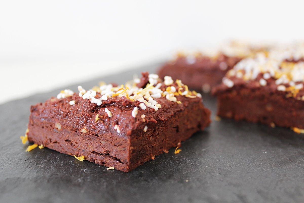 Vegane Süßkartoffel-Brownies mit Haselnuss-Creme