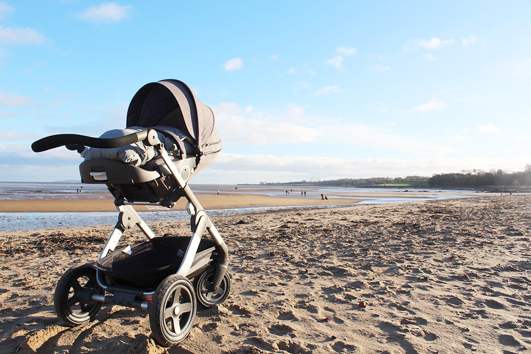Stokke Trailz am Strand von Edinburgh