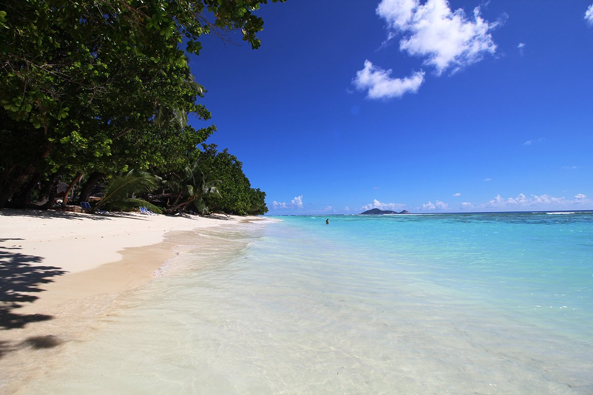 Der Traumstrand vom Hilton Seychelles Labriz Resort & Spa