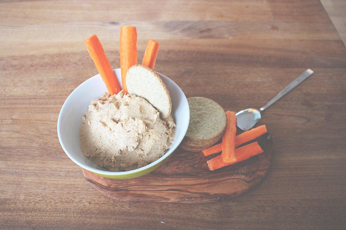 Erdnussbutter Hummus